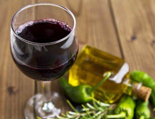 Mipaaf. Firmati i decreti a sostegno del settore olivicolo e vitivinicolo